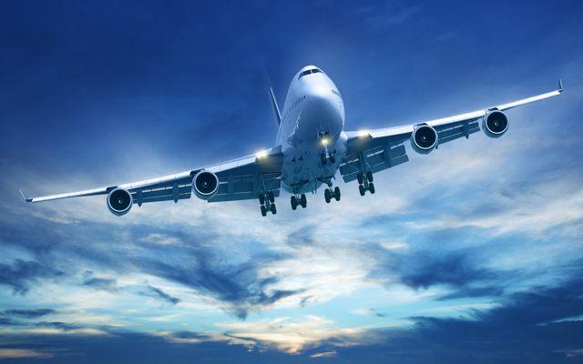 هواپیما در حال پرواز