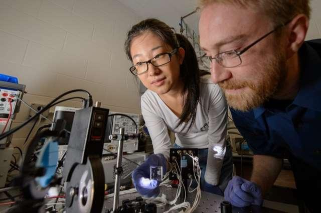 سلول خورشیدی شفاف در آزمایشگاه